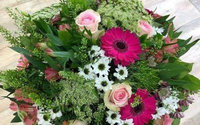 Offrir des fleurs à la personne qu'on aime !